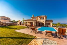 Villas and holiday houses    Mare, Vrh