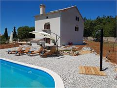 Villas and holiday houses      Villa VITALIS